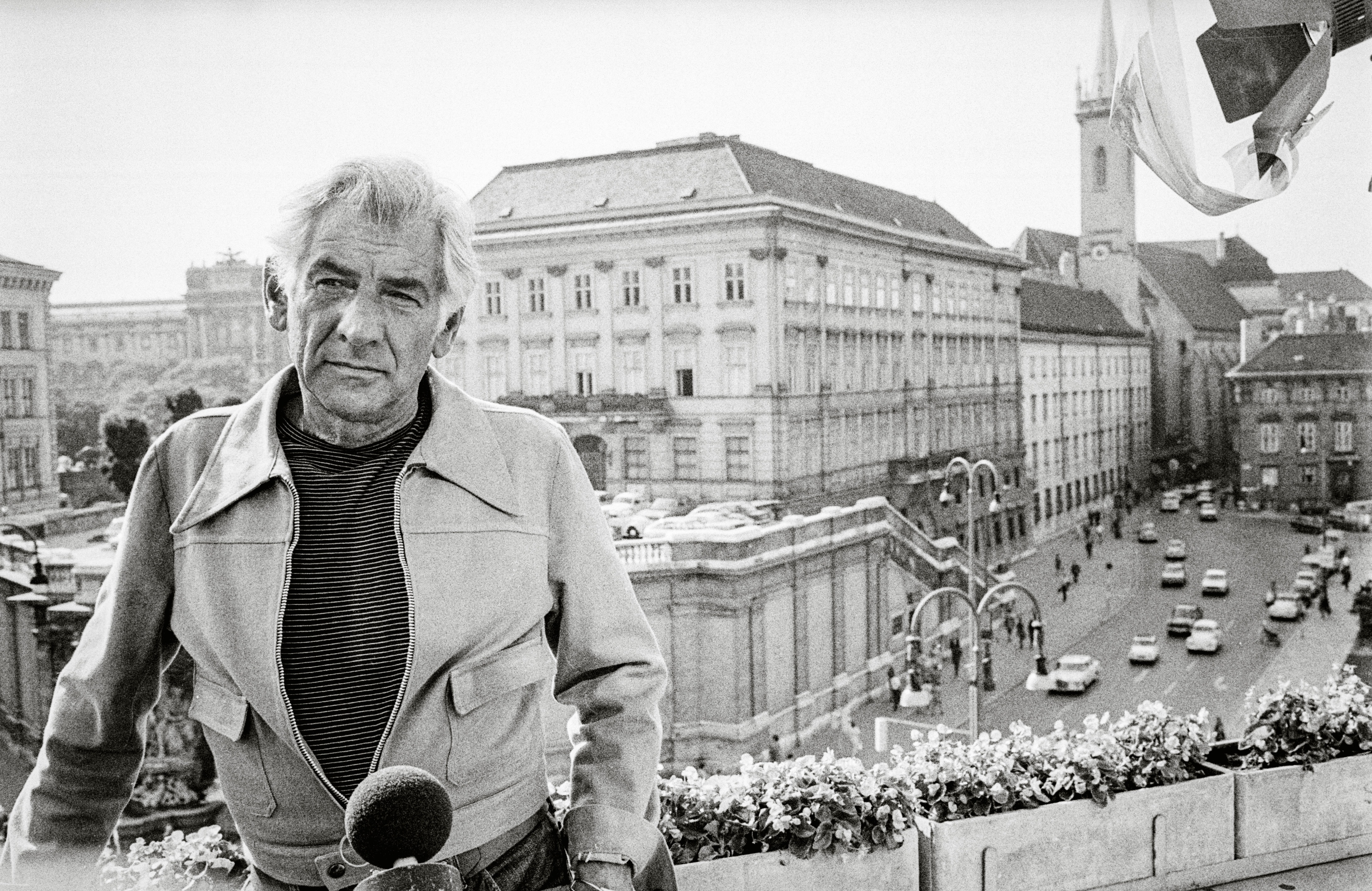 news/Happy Birthday, Leonard Bernstein!175/1.jpg