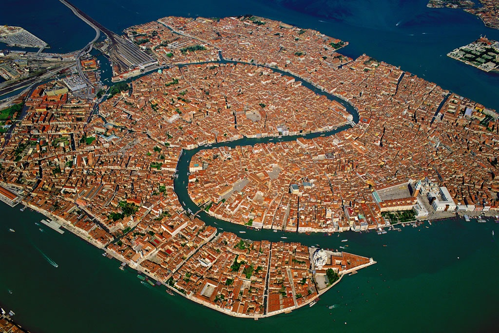 news/Happy Birthday, bellissima Venezia!584/1.jpg